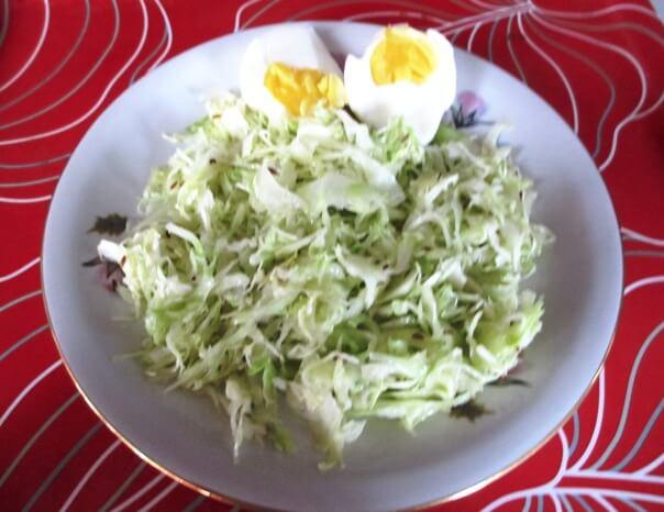 Салат из свежей капуусты Альт Дент с фенхелем и яйцом